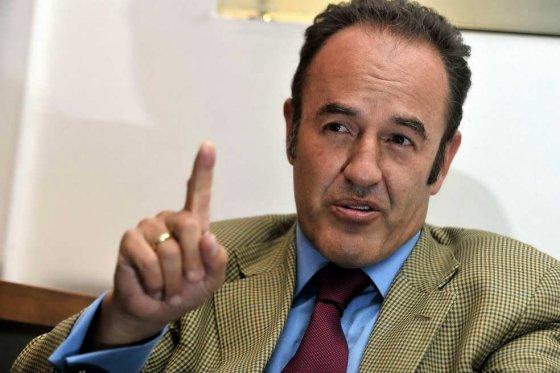Andrés Camargo se encuentra detenido injustamente.