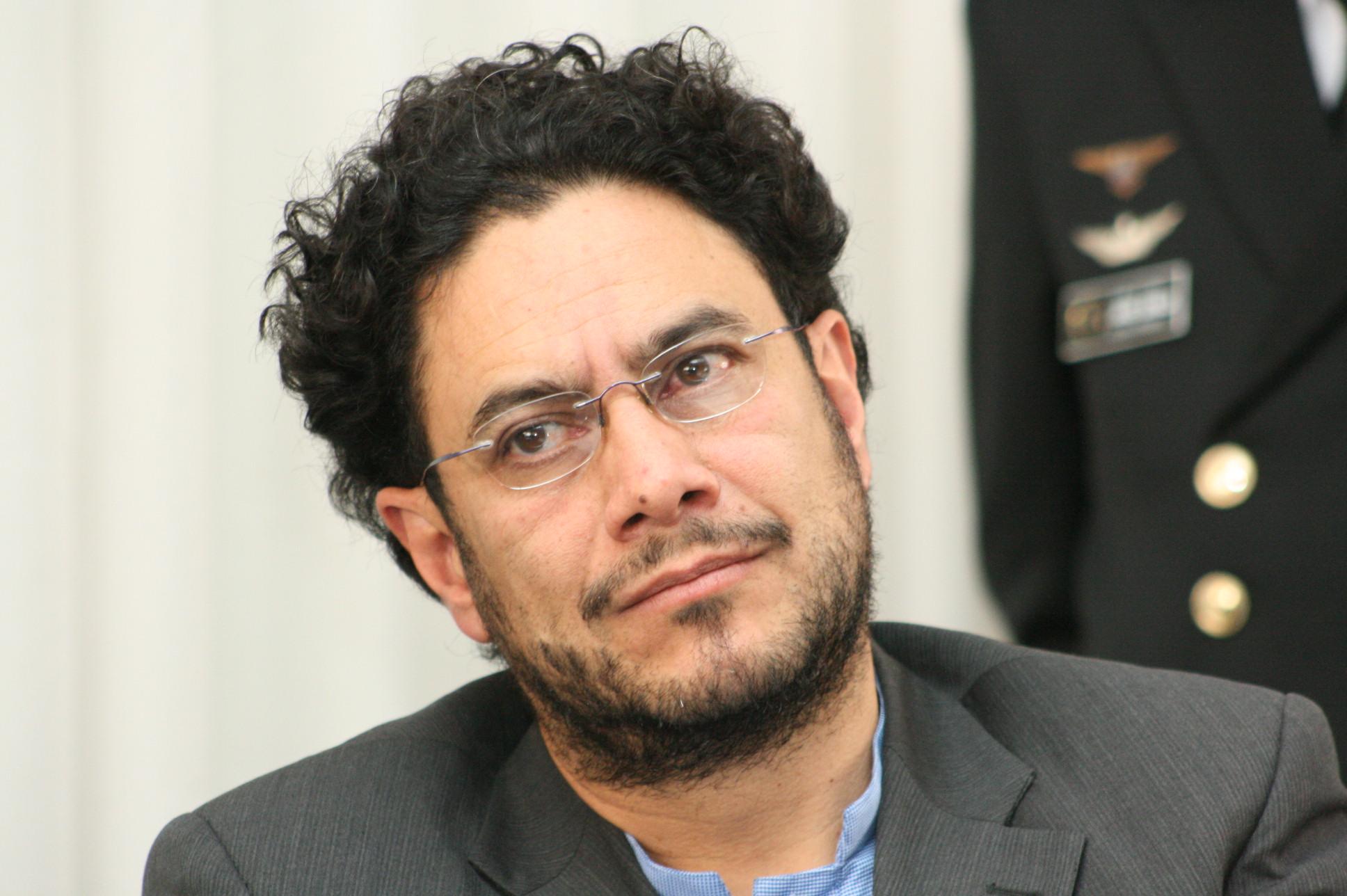 Iván Cepeda habría cometido abuso de autoridad y fraude procesal