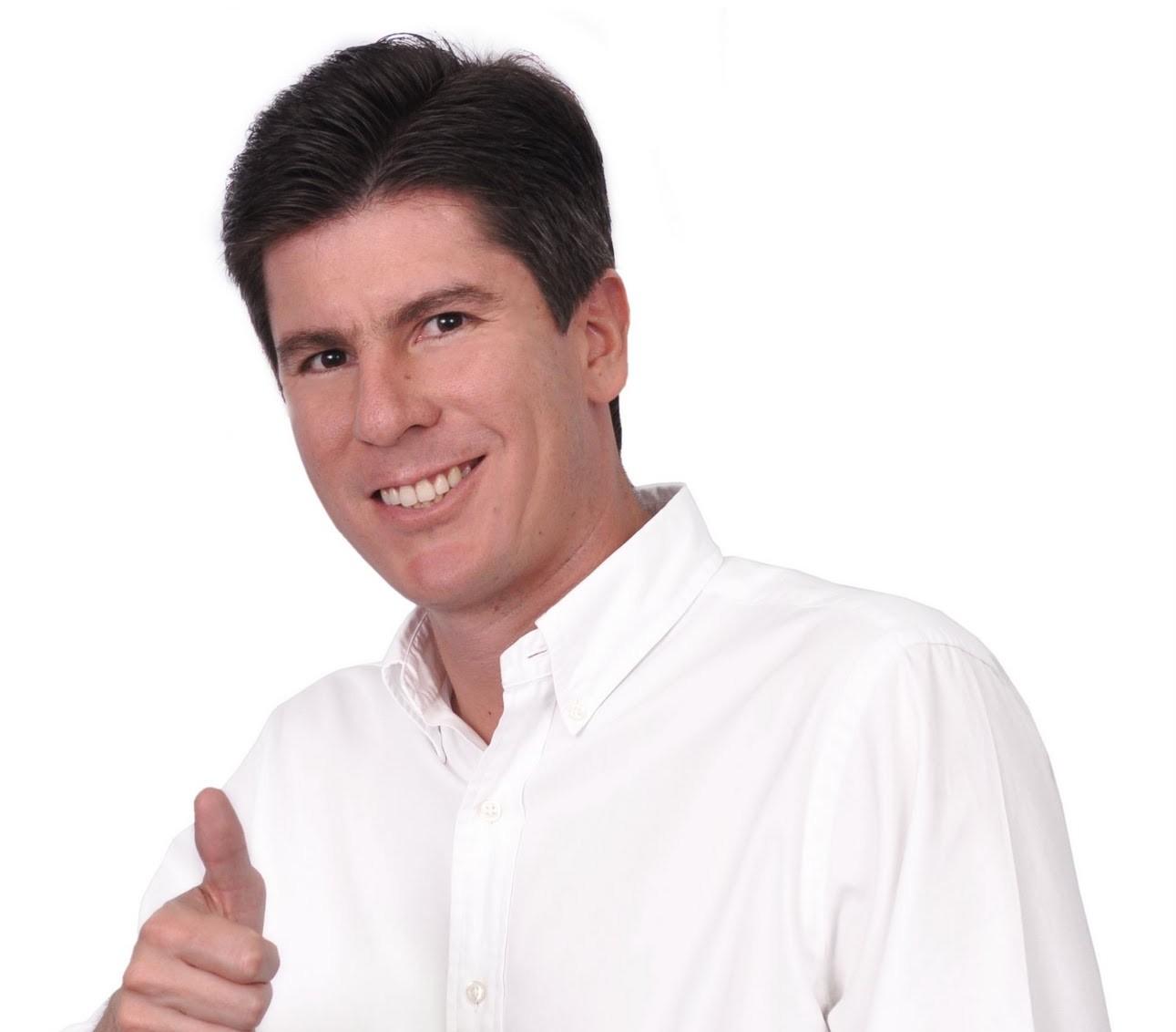 Ricardo Ferro, candidato a la Alcaldía de Ibague, fue señalado como cínico por Daniel Medina, el Jefe de Debate de la campaña de Toledo