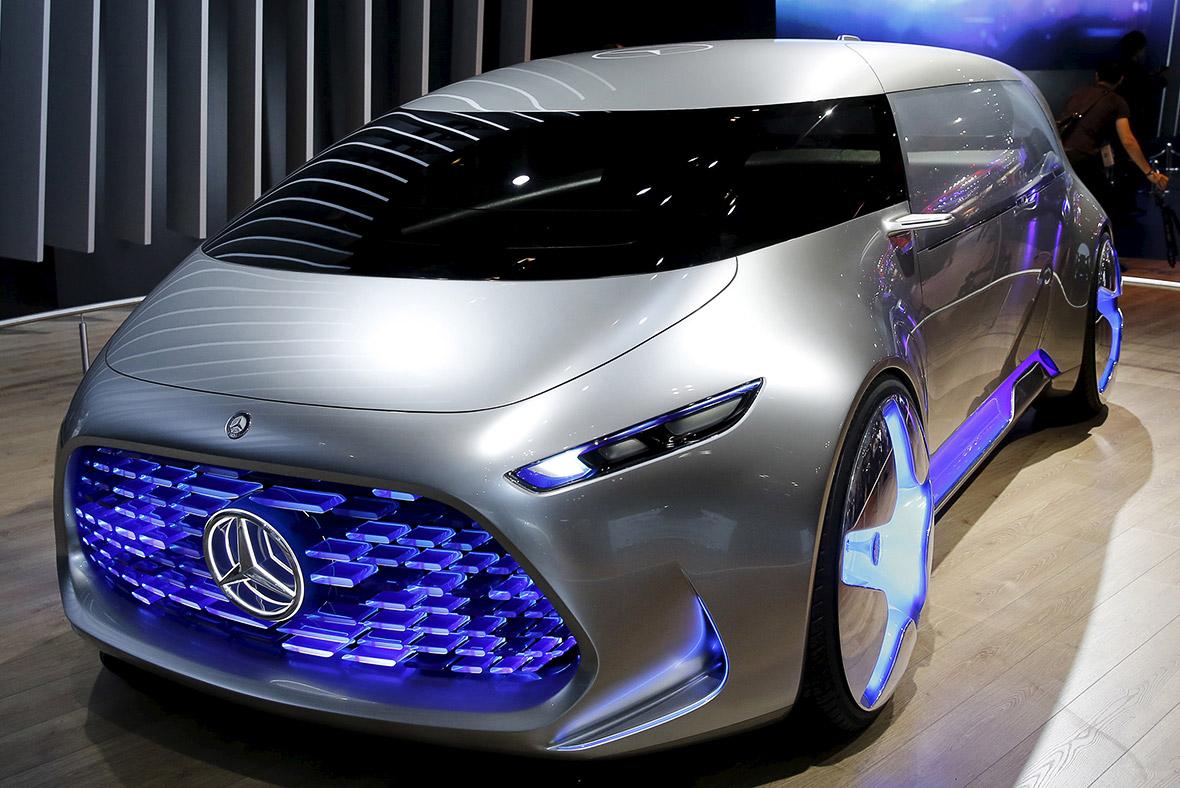 Auto futurista de Mercedes Benz