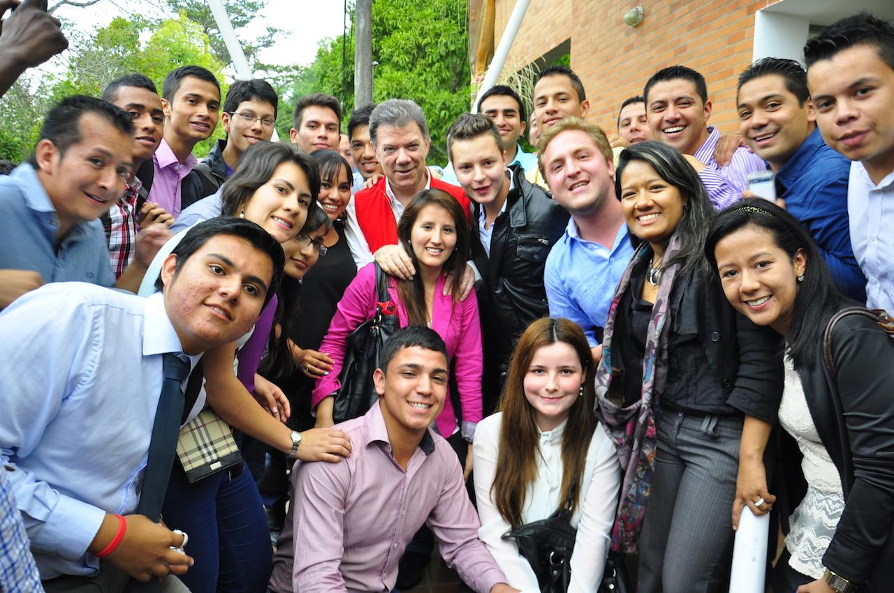 Santos y los jovenes