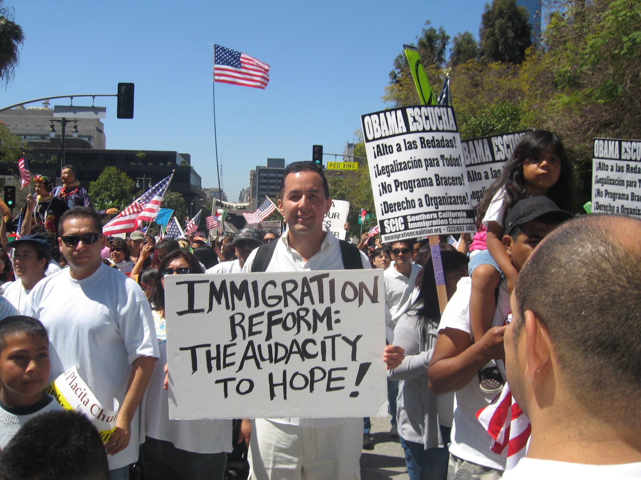 Cómo vive un indocumentado en Estados Unidos? | La Otra Cara