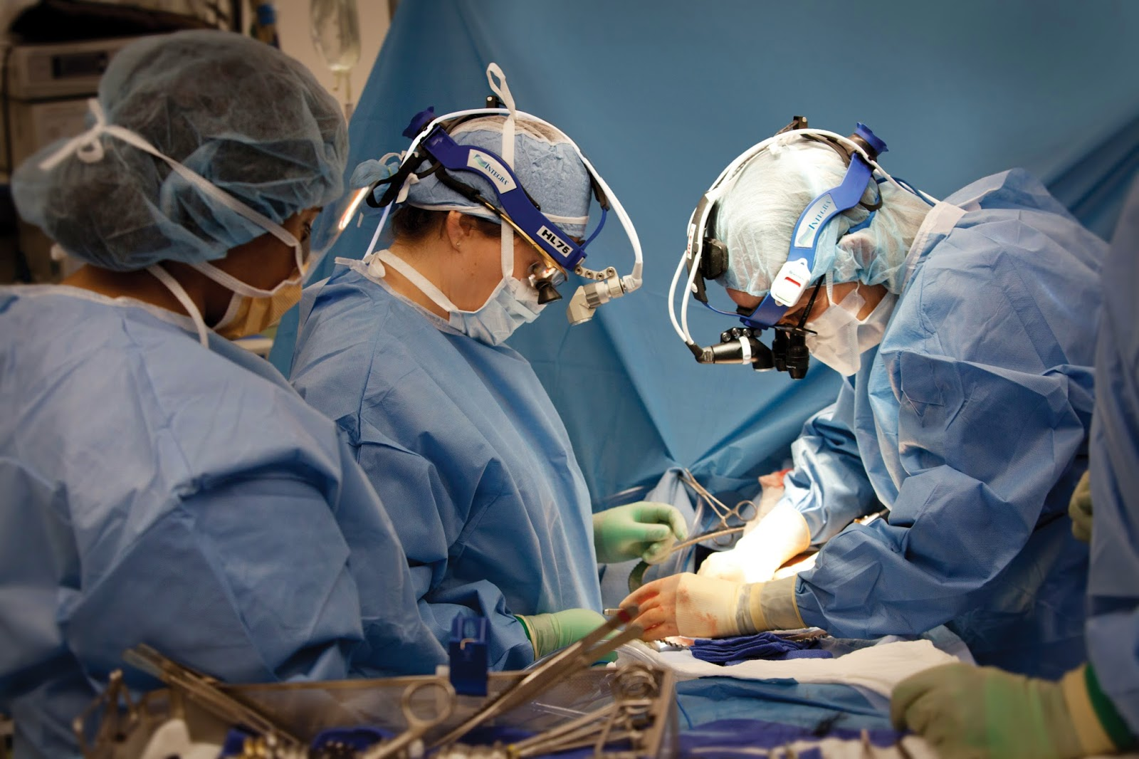 Cirujanos fantasmas
